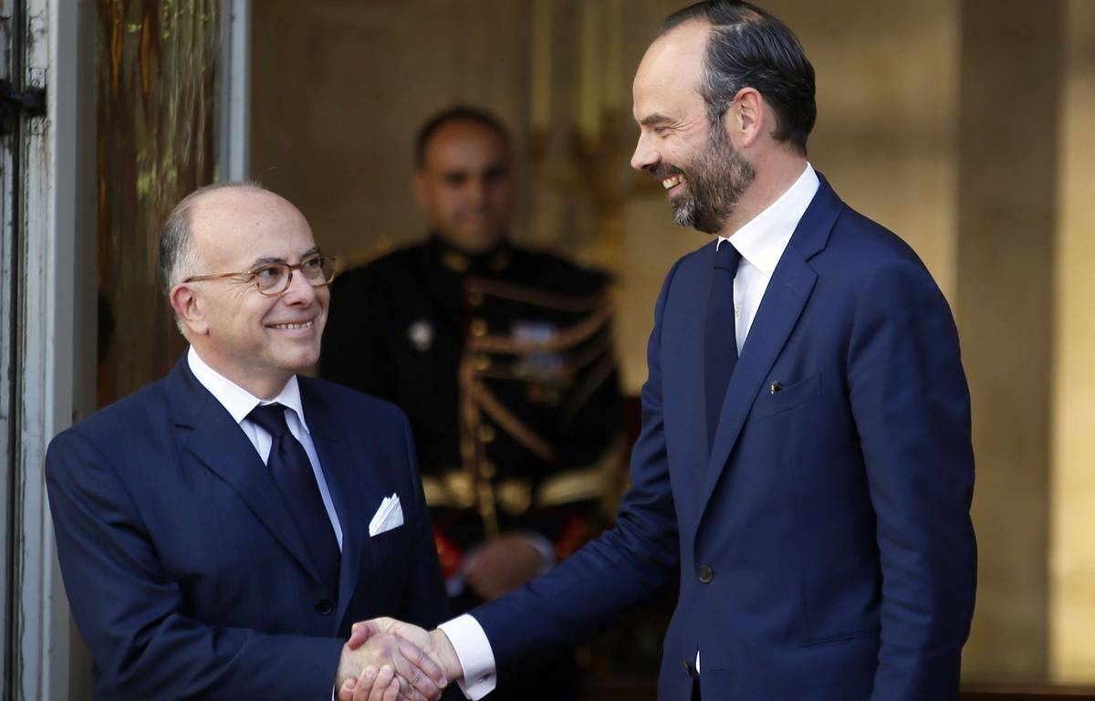 Passation de pouvoirs entre Bernard Cazeneuve et Edouard Philippe. Matignon, le 15 mai 2017 – Francois Mori/AP/SIPA