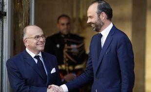 Passation de pouvoirs entre Bernard Cazeneuve et Edouard Philippe. Matignon, le 15 mai 2017