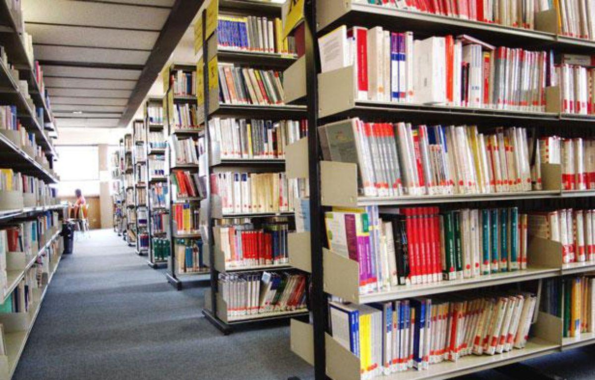 La bibliothèque universitaire du Centre Pierre Mendes France (Tolbiac) à Paris, en janvier 2006 – KROD/SIPA