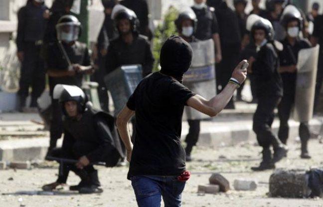 Affrontements entre manifestants et forces de l'ordre, le 13 septembre 2012, au Caire (Egypte).