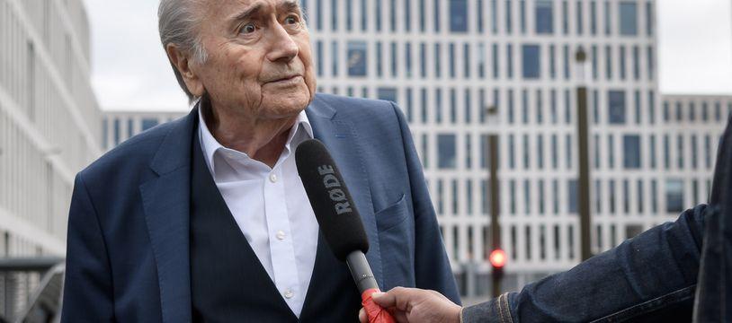 Sepp Blatter à son arrivée au bureau du Procureur général de Bern, en Suisse, le 1er septembre 2020.