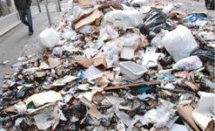 Dix mille tonnes de déchets sont à ramasser.