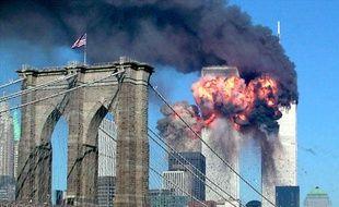 Les Twin Towers en feu après avoir été percutées par deux avions, le 11 septembre 2001.