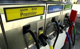 Les gaz d'échappement des moteurs diesel sont désormais classés parmi les cancérogènes certains pour les humains par le Centre international de recherche sur le cancer (CIRC/IARC), l'agence pour le cancer de l'Organisation Mondiale de la Santé (OMS).