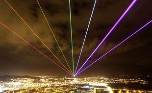 Global Rainbow, une oeuvre de l'artiste Yvette Mattern, en 2012, en Irlande du Nord.