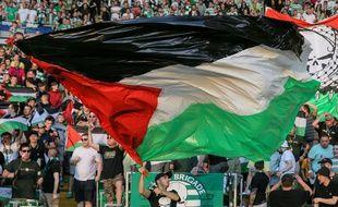 Les supporter de la  Green Brigade pendant le match entre le celtic et l'Hapoel Beer-Sheva