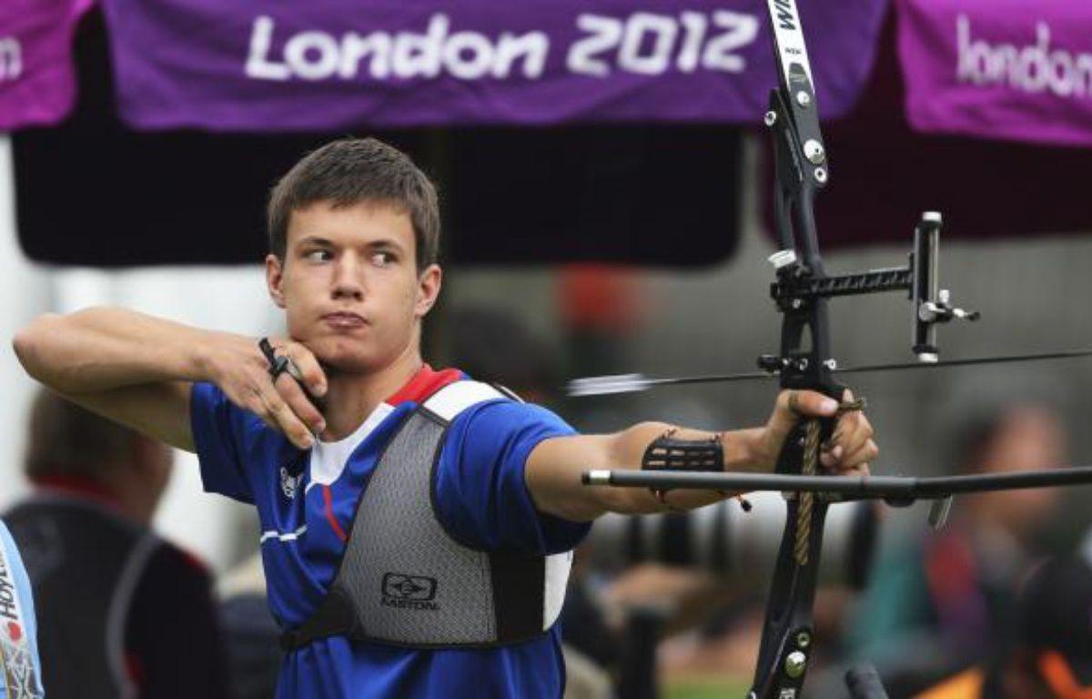 L'archer français Gael Prevost a terminé 6e de l'épreuve de classement des JO, le 27 juillet 2012 à Londres. – S.Salem / REUTERS