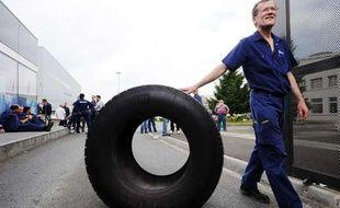 Des salariés de l'usine Michelin de Joué-Lès-Tours, le 10 juin 2013.