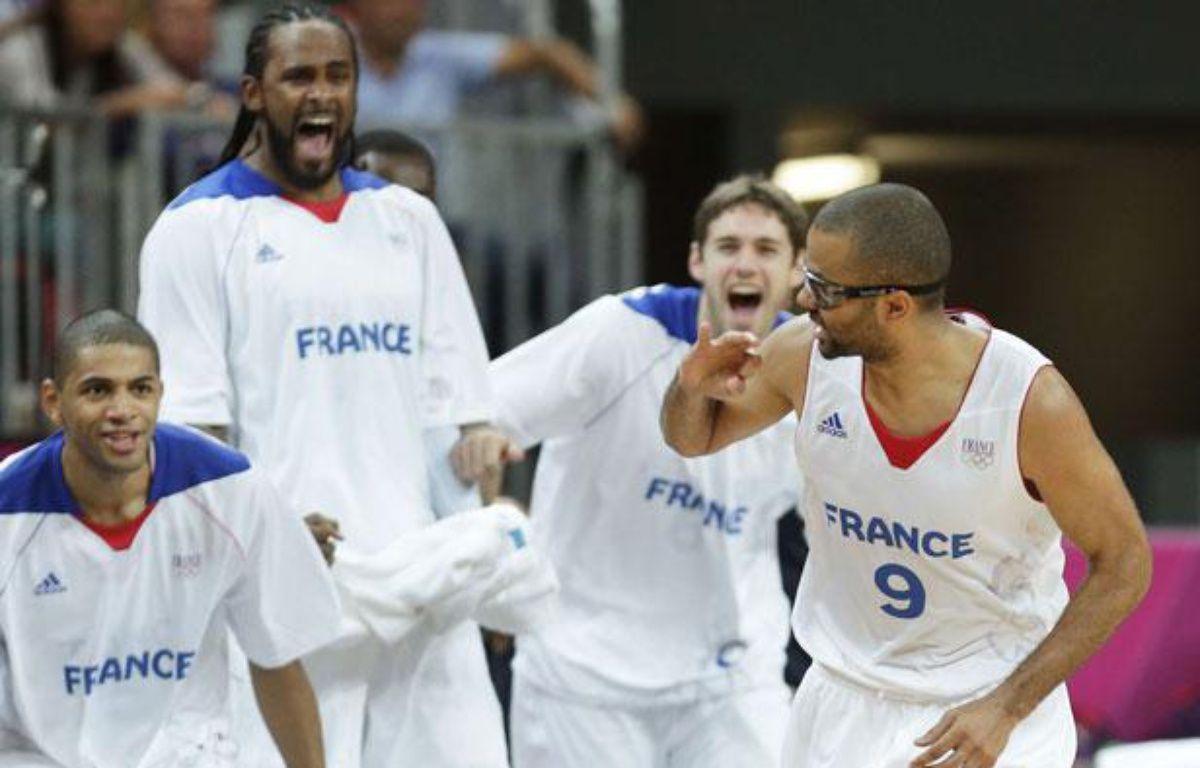 L'équipe de France face à la Lituanie, à Londres,le 2 août 2012. – Charles Krupa/AP/SIPA