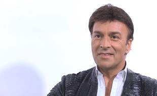 Interview de Tony Carreira, chanteur portugais (capture d'écran)