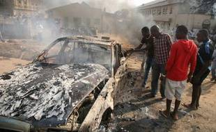 Deux attentats visant des églises au Nigeria ont fait au moins 28 morts le jour de Noël, dimanche, le plus sanglant ayant été revendiqué par la secte islamiste Boko Haram tandis que le gouvernement évoquait une guerre.