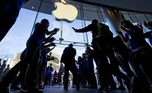 L'Apple store de Pékin, lors de la sortie de l'iPhone 5S, le 20 septembre 2013.
