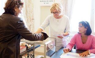 Dans le bureau de vote cannois 201, ce dimanche