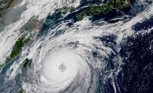 Cette photo satellite montre le typhon Trami qui arrive sur la côte sud du Japon et qui devrait frapper le pays dès samedi.
