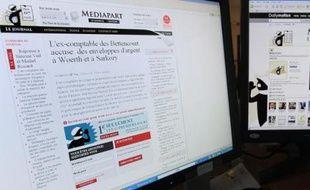 Le gouvernement a annoncé qu'il allait très vite réduire la TVA sur la presse en ligne à 2,1%, contre 20% actuellement, satisfaisant les médias sur internet, Mediapart en tête, au risque d'encourir des sanctions de Bruxelles.
