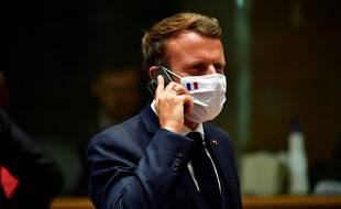 Emmanuel Macron au téléphone. (illustration)