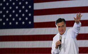 Le candidat républicain à l'élection présidentielle américaine, et favori des sondages, Mitt Romney, lors d'un meeting de campagne à Dubuque, dans l'Iowa, le 2 janvier 2012.