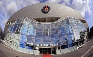 Le Conseil de Paris a voté mardi l'attribution par la Ville d'une subvention de 450.000 euros à la Fondation Paris Saint-Germain qui prend en charge les actions sociales du club de football, suscitant la colère des écologistes parisiens.