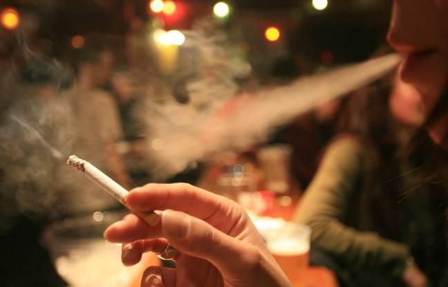 Comme obliger la personne à cesser de fumer et boire