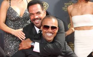 Kristoff St. John et Shemar Moore, frères à l'écran dans «Les Feux de l'amour», lors des Daytime Emmy Awards 2015