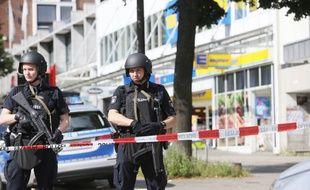 Une personne a été tuée et plusieurs autres blessées vendredi dans un supermarché de Hambourg (nord de l'Allemagne).