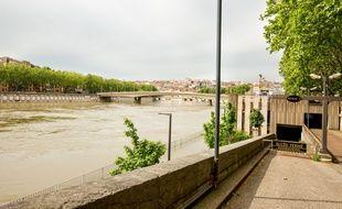 La Saône, actuellement en crue, est placée en vigilance jaune dans le centre de Lyon.