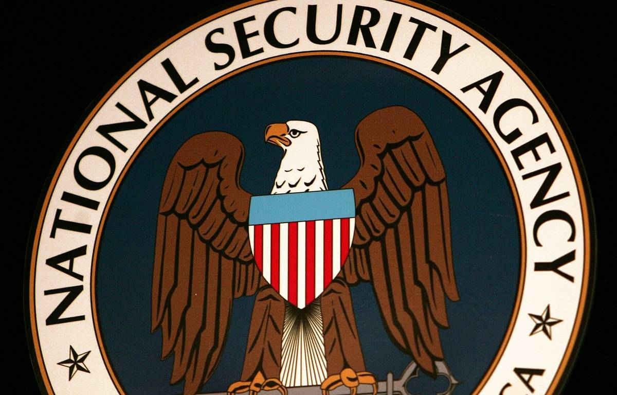 Le logo de la NSA. – PAUL J. RICHARDS / AFP