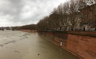 La Garonne est en crue à Toulouse le vendredi 13 décembre 2019.