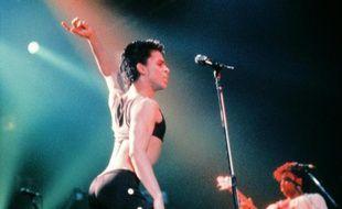 Prince sur la scène du Zenith à Paris, le 25 août 1986