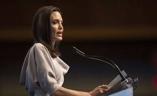 Angelina fait un don d'un million de dollars à son association