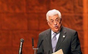Le président Mahmoud Abbas doit se rendre jeudi à Bagdad, pour la première visite d'un dirigeant palestinien en Irak depuis la chute du régime de Saddam Hussein en 2003, a annoncé la radio officielle palestinienne.