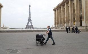 Un facteur à Paris.