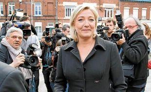 Le faux tract du Front national, représenté par Marine Le Pen, a fait monter la tension dans la circonscription.