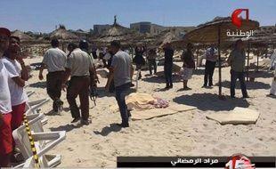 Capture d'écran de la chaîne Tunisia TV1, montrant la plage tunisienne touchée par l'attaque terroriste du 26 juin 2015.