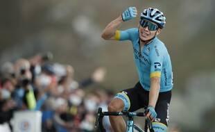 Miguel Angel Lopez vainqueur magnifique en haut du col de la Loze, le 16 septembre 2020.