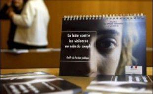 Accueillir et prendre en charge des femmes victimes de violences conjugales : l'unité de consultation médico-judiciaire (UCMJ) de Créteil, l'un des trois sites de référence en France dans ce domaine, le fait au quotidien, en partenariat avec des associations.