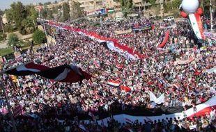 Des milliers de Syriens ont manifesté mardi leur soutien au président Bachar al-Assad dans l'est du pays, au moment où la répression du mouvement de contestation se poursuivait avec la mort de deux civils et l'arrestation de dizaines de personnes.
