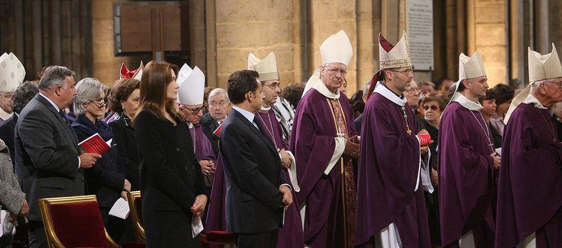 Nicolas Sarkozy assiste à une messe en hommage à sœur Emmanuelle, en 2008.