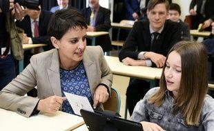 Najat Vallaud-Belkacem, le 21 avril 2016 à Cirey-sur-Vezouze, lors d'un déplacement sur le plan numérique à l'école.