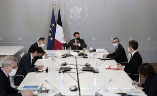 Comme il en a pris l'habitude le mardi soir, Emmanuel Macron a notamment réunit le 20 avril à l'Elysée le Premier ministre Jean Castex, le ministre de la Santé Olivier Véran ou encore le porte-parole Gabriel Attal pour faire le point sur la vaccination.