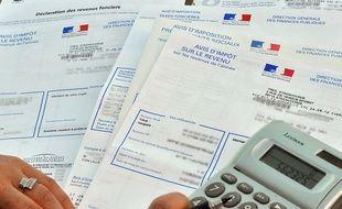 Le prélèvement à la source de l'impôt sur le revenu.