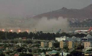 Un double attentat-suicide près de l'aéroport de Kaboul, en Afghanistan, a fait au moins 85 morts dont 13 militaires américains, le 26 août 2021.