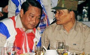 Le gouvernement birman a franchi un pas significatif dans ses négociations avec les minorités ethniques, en signant jeudi un cessez-le-feu avec le principal groupe rebelle karen, dans l'une des guerres civiles les plus anciennes de la planète.