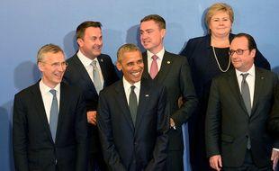 Le secrétaire général de l'Alliance Jens Stoltenberg, Barack Obama et François Hollande  lors du sommet de Varsovie, le 8 juillet 2016.
