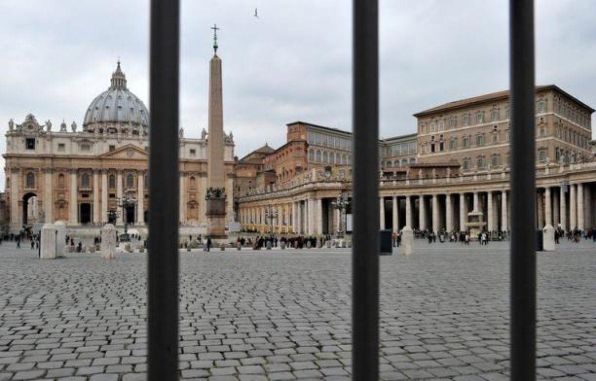 """Le Vatican, en pleine tempête """"Vatileaks"""", a laissé jeudi la presse internationale pénétrer dans son Institut pour les oeuvres de religion (IOR), objet de tous les fantasmes, pour tenter de la persuader qu'il n'est que le bras financier de ses oeuvres de charité. – Alberto Pizzoli afp.com"""