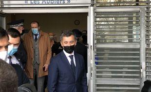 Gérald Darmanin a visité le poste de police des Aubiers, à Bordeaux, ce jeudi.