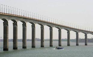 Le pont menant à l'île de Ré, en 2008