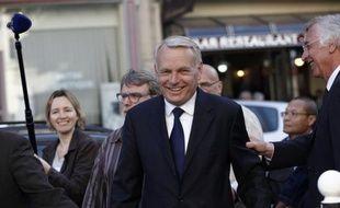 """Jean-Marc Ayrault, considéré comme favori pour le poste de Premier ministre, a qualifié de """"message formidable"""" le discours d'investiture du nouveau président François Hollande, """"qui s'adresse aux Français au-delà de leur vote""""."""