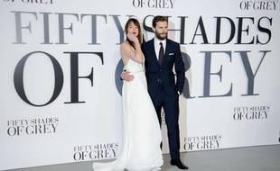 Dakota Johnson et Jamie Dornan, à l'avant-première de Fifty Shades of Grey, à Londres, le 12 février 2015.