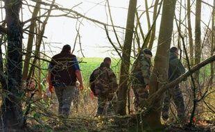 """Le père de famille dont la disparition dimanche soir en Vendée avec ses deux filles de 11 et 5 ans est jugée """"particulièrement inquiétante"""" par les enquêteurs, reste introuvable"""